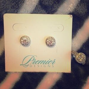 Premier Designs ring and earring set